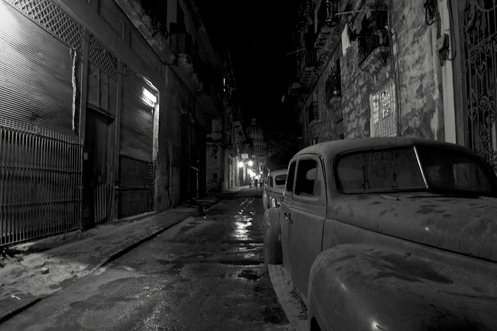Havana-Alley-Car-webres