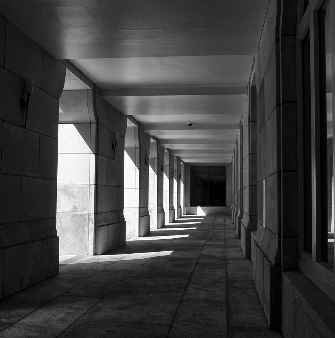 Square-Shadow_Columns-webres